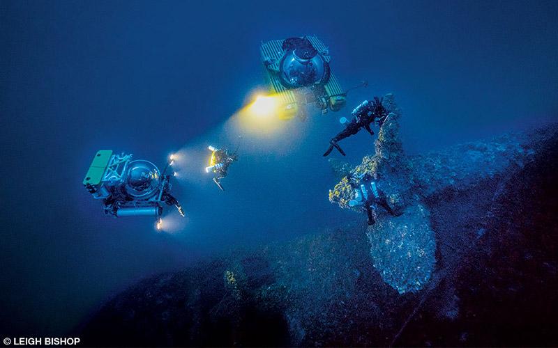 Dive team explores propeller
